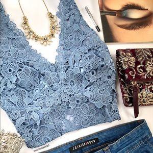 •HP• Windsor Flower Lace Bralette